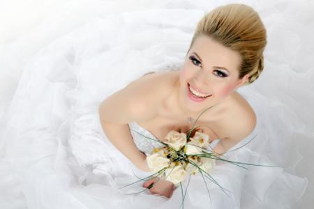 Kozmetikai előkészület az esküvő napjára